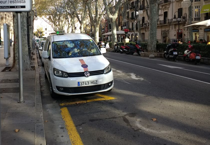 taxi rank on the paseo del borne, palma