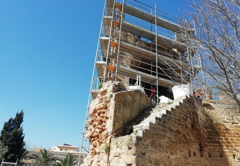 alcudia city wall repairs