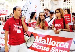 anti bullfight protest, mallorca